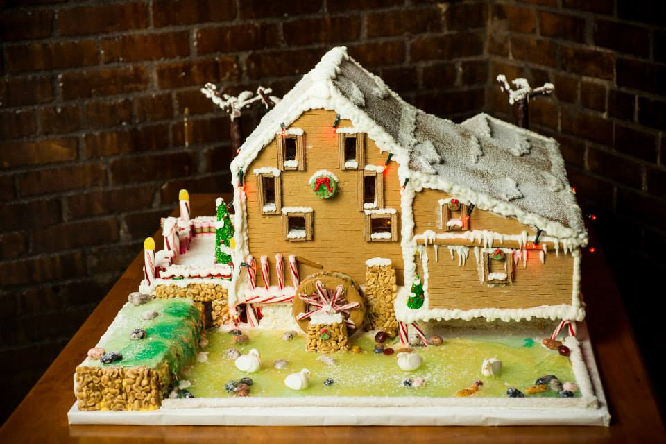 2013 Award-winning Gingerbread House by Edible Art