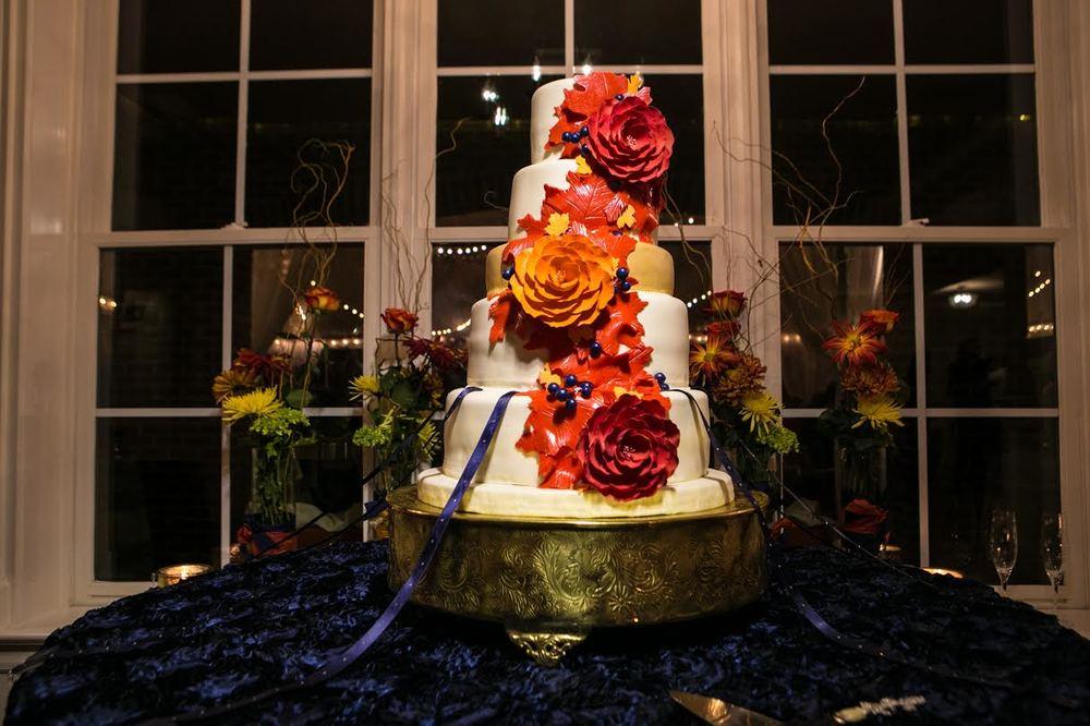 Roses Cake | Edible Art Bakery of Raleigh