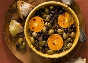 mare_roasted_olives_and_clementines_with_rosemary_and_chiles_h.jpg