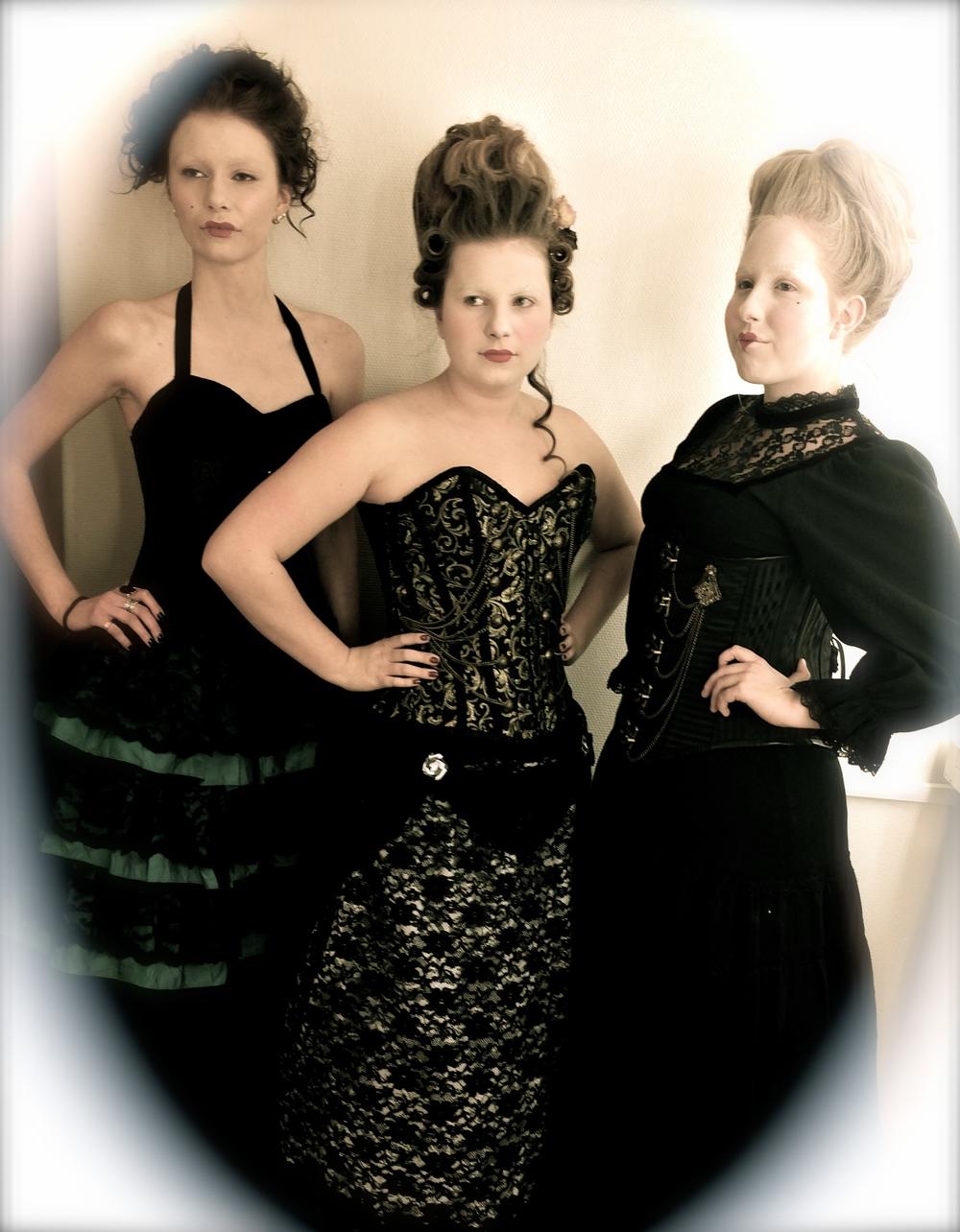 Makeup-och frisöreleverna på Västermalms Gymnasium skapade Rokoko-inspirerade looks!