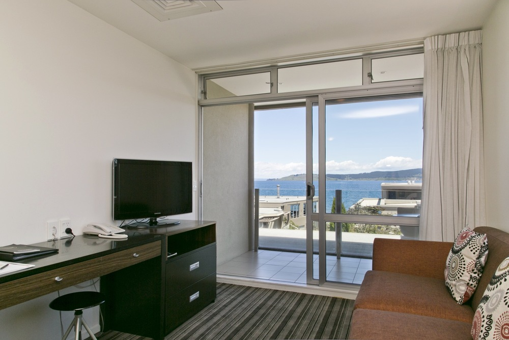 One bedroom with lake view 1.jpg