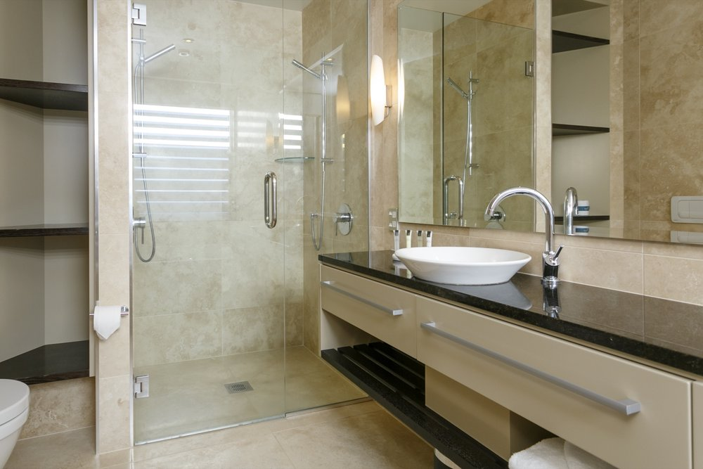 First floor three bedroom apartment master bedroom ensuite bathroom.jpg