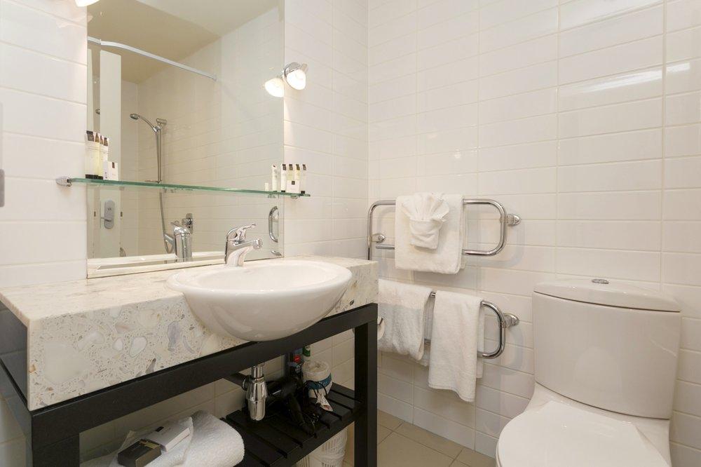 One Bedroom with Lake Views bathroom 2-min.jpg