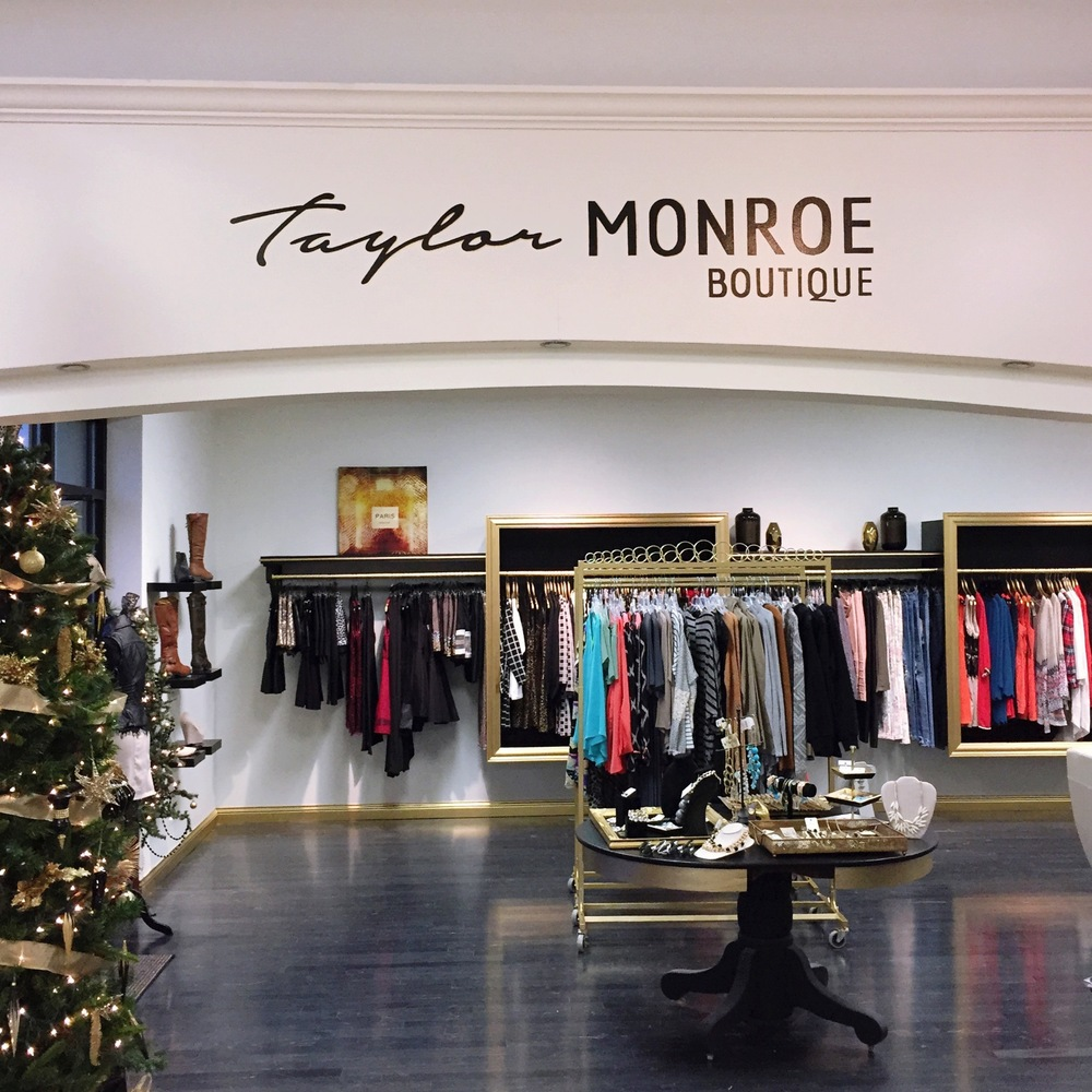 Dayton Clothing Store Taylor Monroe by AndreaDozier.com