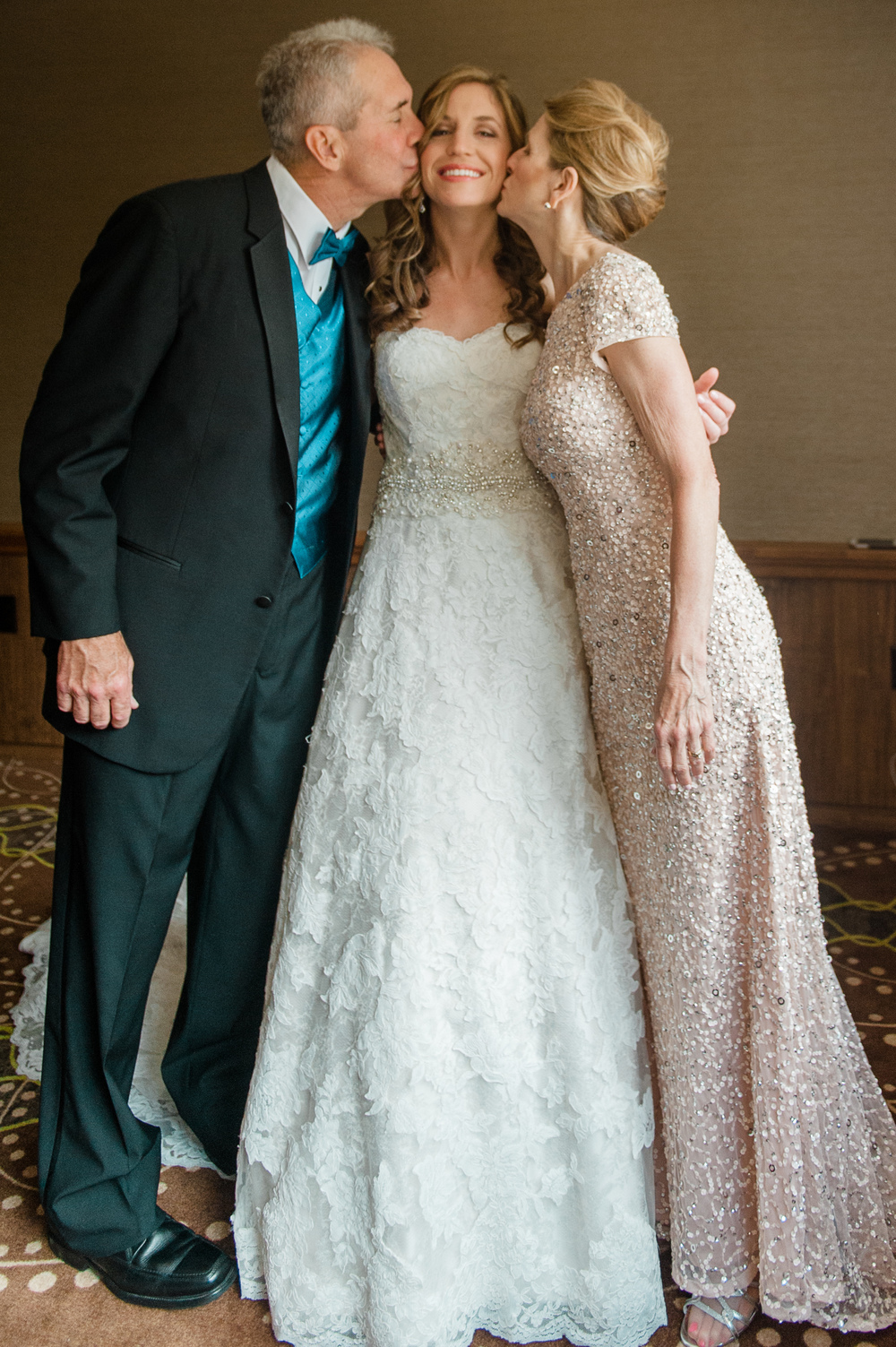 Cincinnati Dayton Wedding Photography by AndreaBelleStudios.com