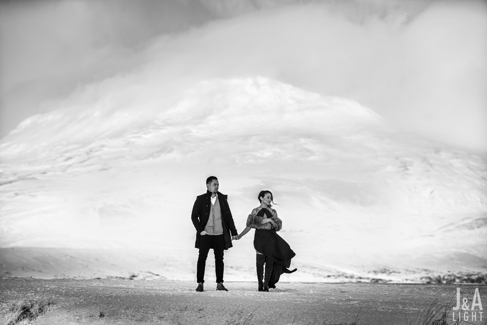 20180114-IcelandEngagementPortraits_EuropeDestinationWedding-014.jpg