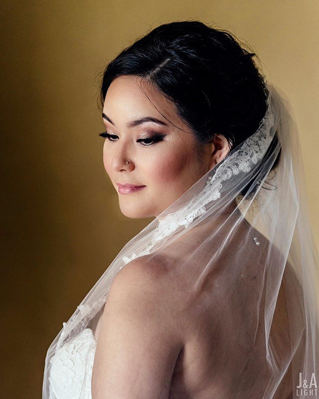 Sometimes it's just nice to do pretty. Ayuko on her wedding to a very lucky Ajith 🤗  Beauty || @beautybyjessiehoang Gown || @bylillianwest from @RKBridal Venue || @ClosLaChanceWinery . . . . . #jandalight #sfweddingphotography #sfweddingphotographer #weddinginspiration #weddingday #bride #weddingdress #visualsoflife #weddingphoto #weddings #weddingideas #instawedding #theknot #bridetobe #engaged #prewedding #bridal #tacariweddings #brideandgroom #engagement #weddinginspo #weddingplanner #weddingwire #zola #weddingstyle #ido #SFEngagement #closlachance