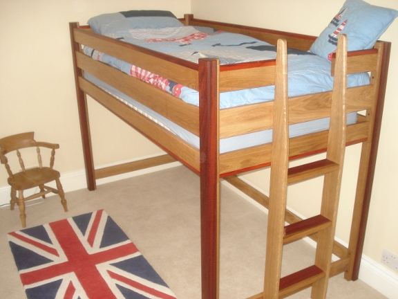 Cabin style bed