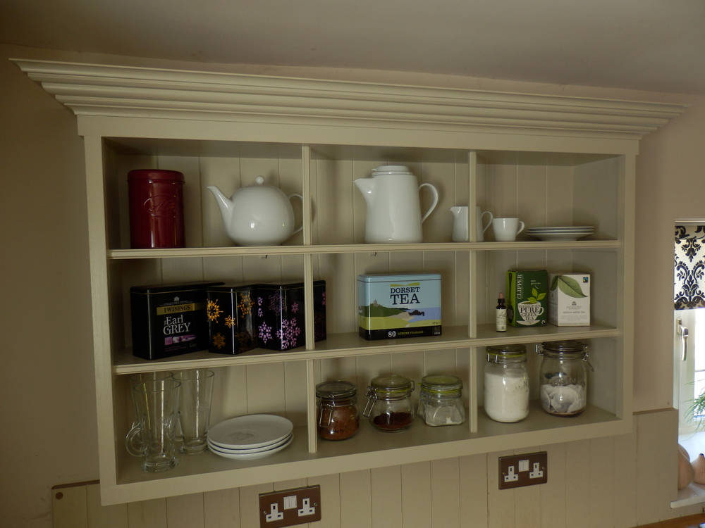 Kitchen wall unit