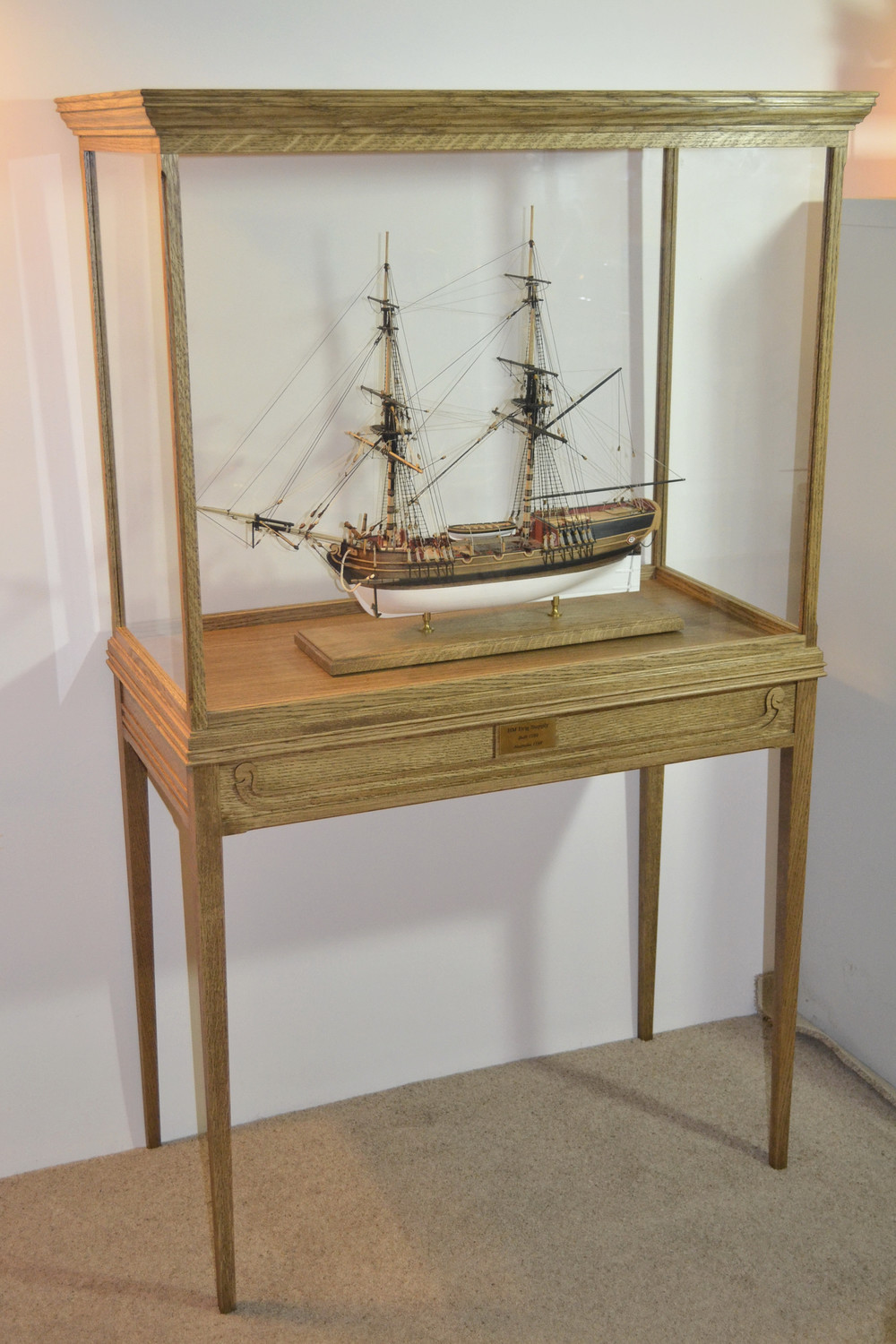Ship display case & table