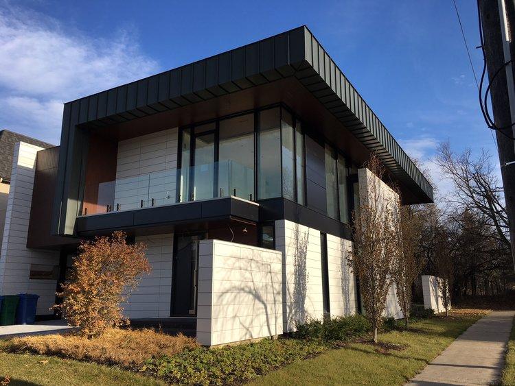 MODERN HOUSE TORONTO - EXTERIOR VIEWS — E2 Studio