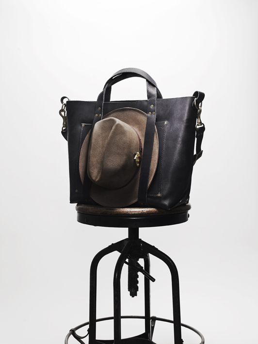 Poglia Porter Leather Bag Hat Holder