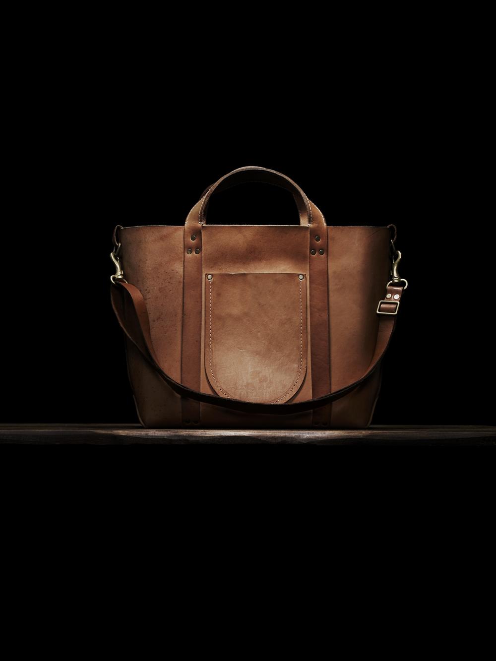 Poglia Porter Leather Bag Hat Holder