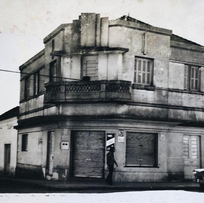Poglia & Irmao Corner Storefront