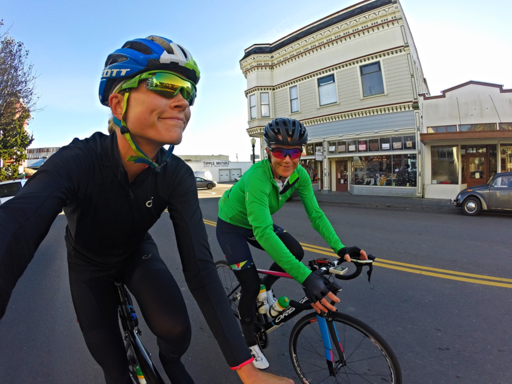 Rolling through Ferndale! It was a  Velocio  Mid Jacket kind of day! Warm, comfy and super breathable.