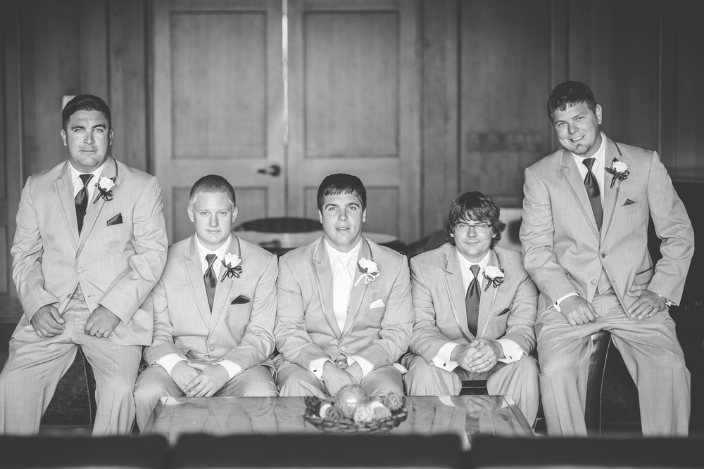 RockStarWeddings-Fargo-ND-Photographer-groomsmen