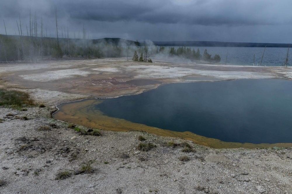 YellowstoneLakeGeyserBasin3