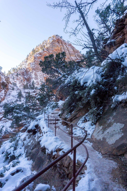 CanyonOverlookTrail2