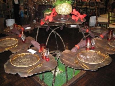 GERANIUM TABLE