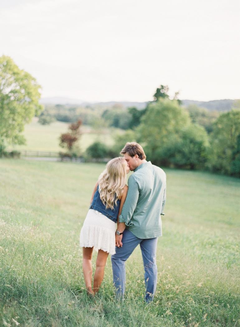 Vicki Grafton Photography Virginia Oatlands Film Wedding Photographer -2-00.jpg