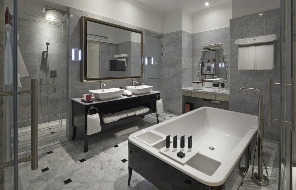 So Lofty Suite's Bathroom with signature 'Bed' bathtub