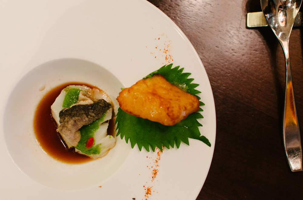 中西激情的  (智利海鲈鱼两吃(香槟汁炸、青葱酱蒸))  Sea Perch Fillet  Deep-fried with Chef's Signature Homemade Champagne Sauce |  Sea Perch Fillet  Steamed with Green Minced Onion Sauce