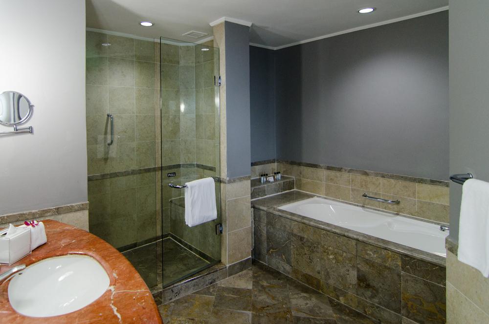 Thistle Johor Bahru - Premium Suite Bathroom