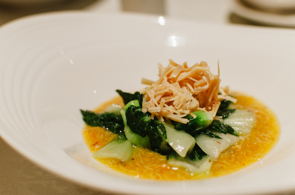 干贝蟹粉扒白菜苗 Braised White Cabbage with Dried Scallops, Crab Meat and Crab Roe