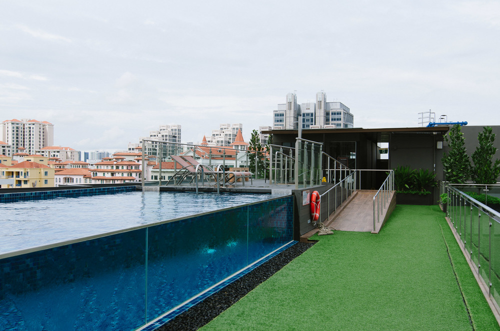 Holiday Inn Express Clarke Quay Pool