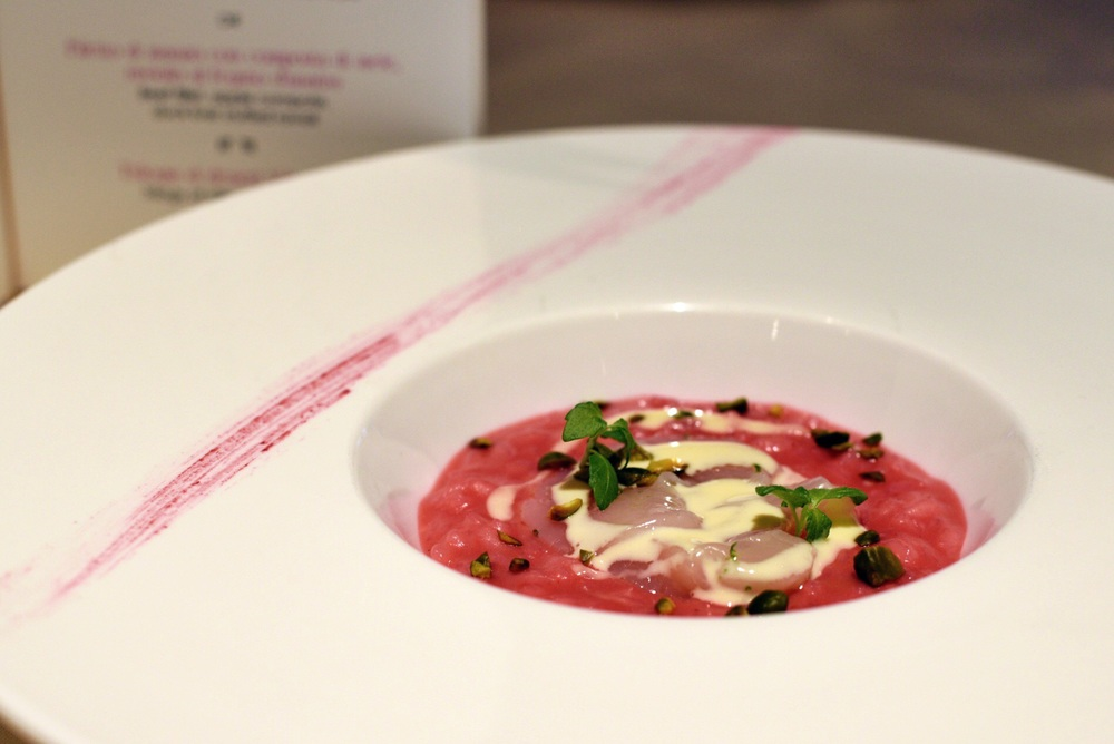 Beetroot risotto, raw scallops, pistachios