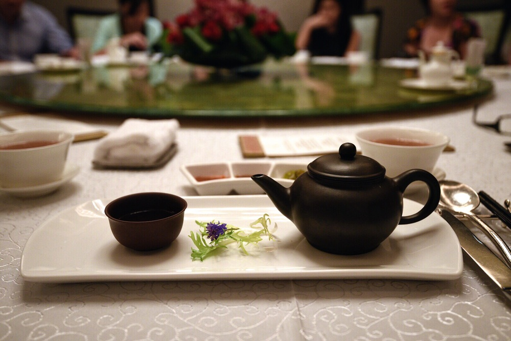 Double-boiled Sea Whelk Soup with Black Garlic served in Teapot
