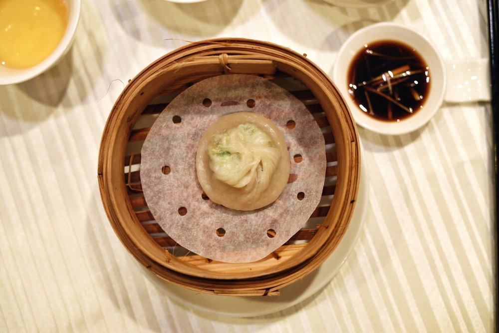 Steamed Crab Roe with Minced Pork in Superior Soup Bun