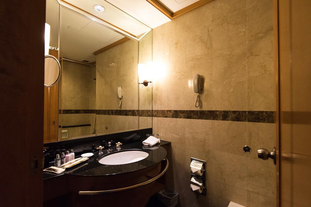 Grand Park City Hall -Crystal Club Superior Twin Room (Bathroom)