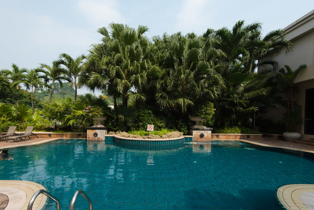 Hotel review grand park city hall crystal club superior - Grand menseng hotel swimming pool ...