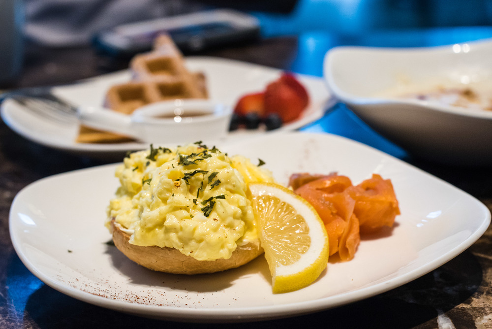 Enjoy complimentary cooked-to-order Breakfast at the Pacific Lounge