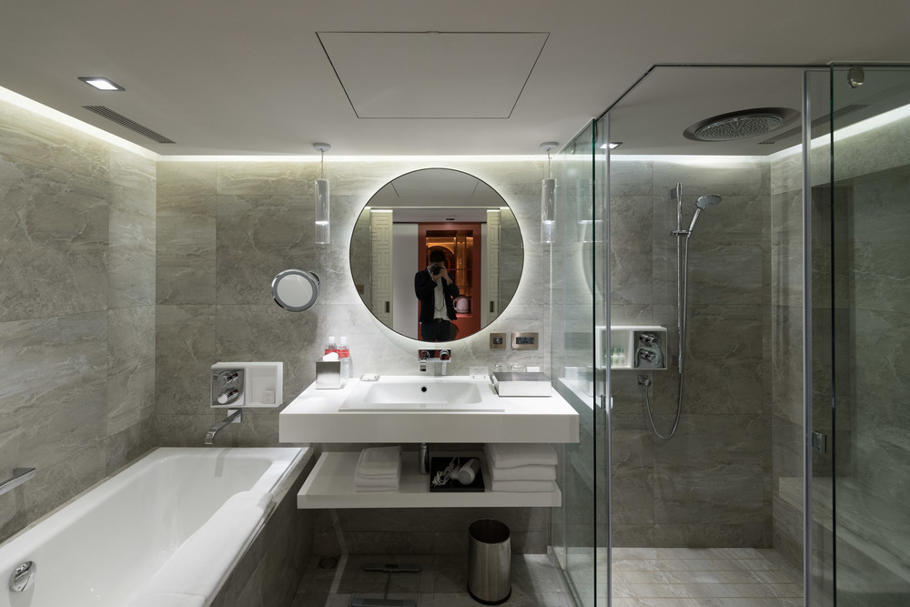 Bathroom of the Grand Deluxe Room - Grand Hyatt Taipei