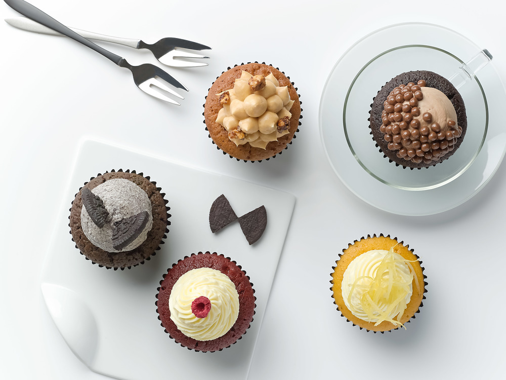 Tuxedo Cupcakes | Photo Credit: Carlton Hotel Singapore
