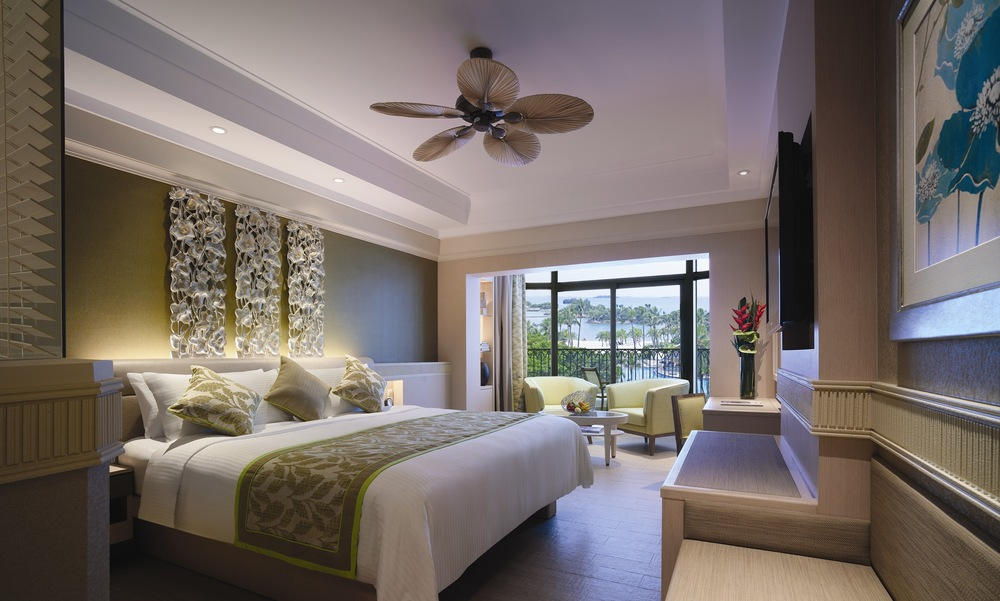 Deluxe Pool View Room | Photo Credit: Shangri-La's Rasa Sentosa Resort & Spa, Singapore