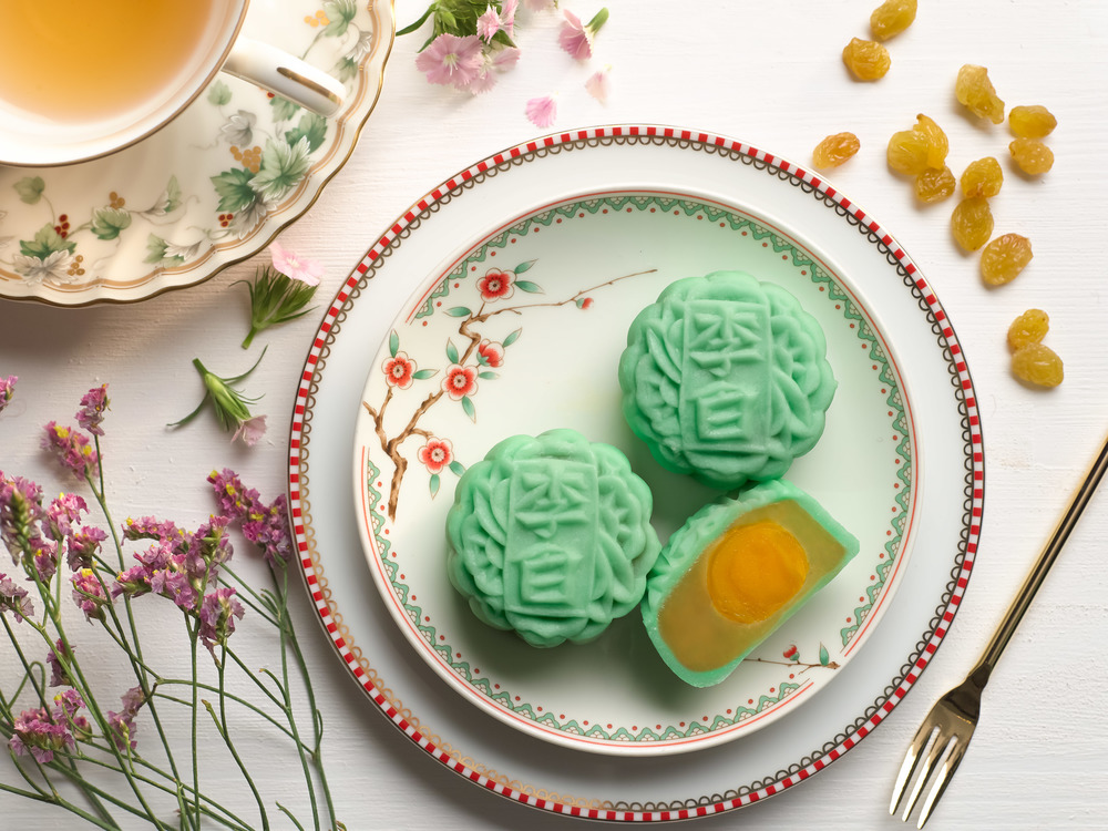 Mini Green Tea White Lotus Seed Paste with Yuzu Truffle (S$56 Nett for a Box of 8) | Photo Credit: Sheraton Towers Singapore