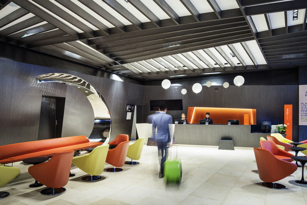 Hotel Lobby | Photo Credit:ibis Styles Ambassador Seoul Gangnam