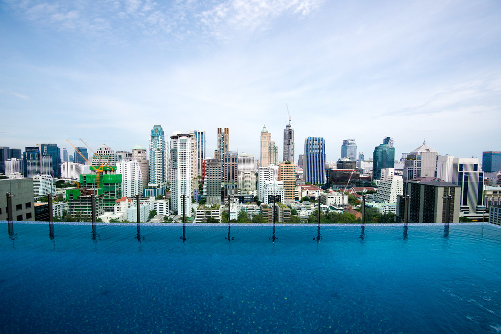 Infinity Swimming Pool - Hotel Indigo Bangkok Wireless Road