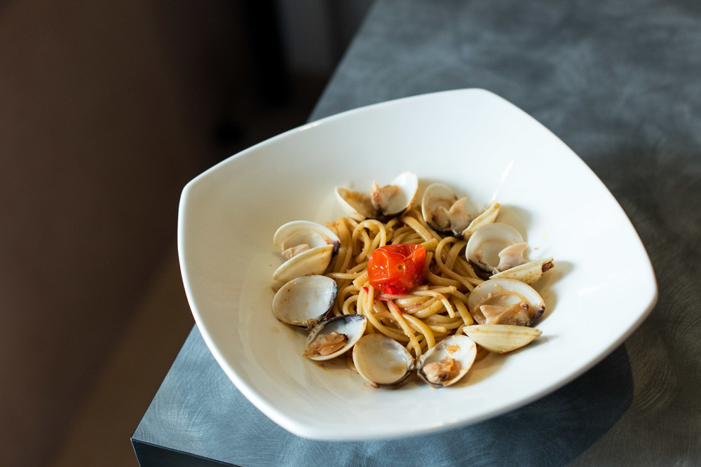 Vongole Aglio Olio (S$14.90 Nett) - seafood goodness of venus clams sautéed in white wine Old Boys Gallery