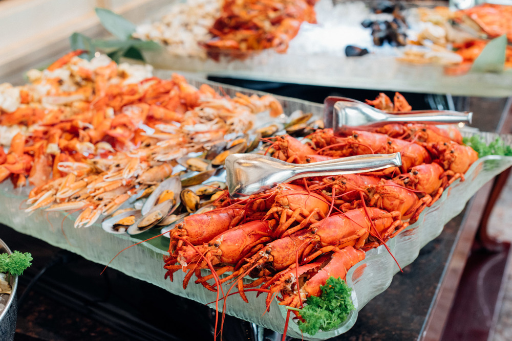 Assortment of Fresh Seafood on Ice Brasserie Les Saveurs - The St. Regis Singapore