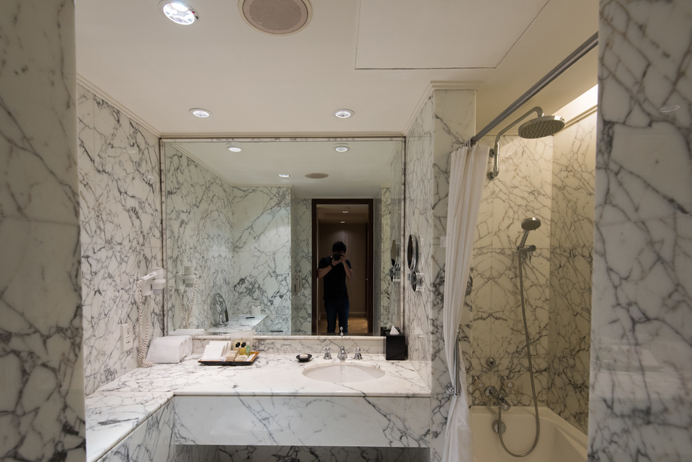 Bathroom  Executive Suite - Sheraton Towers Singapore