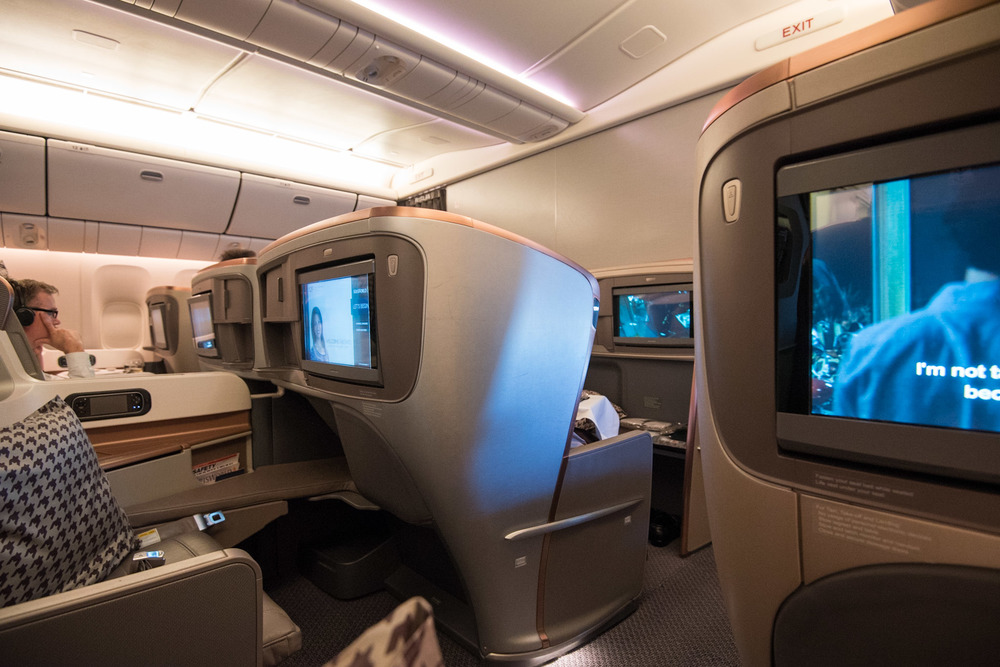 Boeing 777-300ER (Three Class)  Business Class - Singapore Airlines