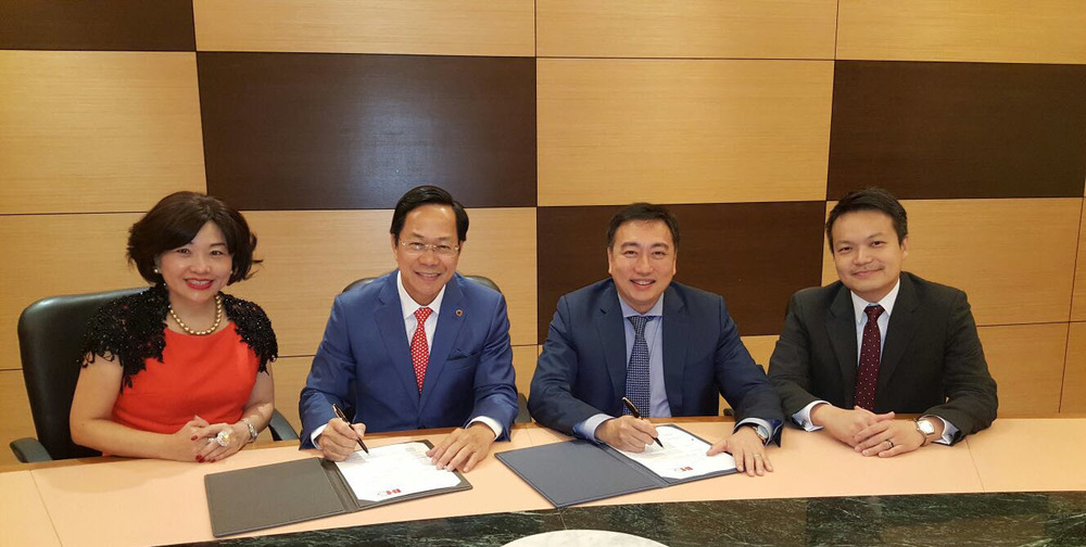 Signing in Kuala Lumpur | Photo Credit: InterContinental Hotels Group