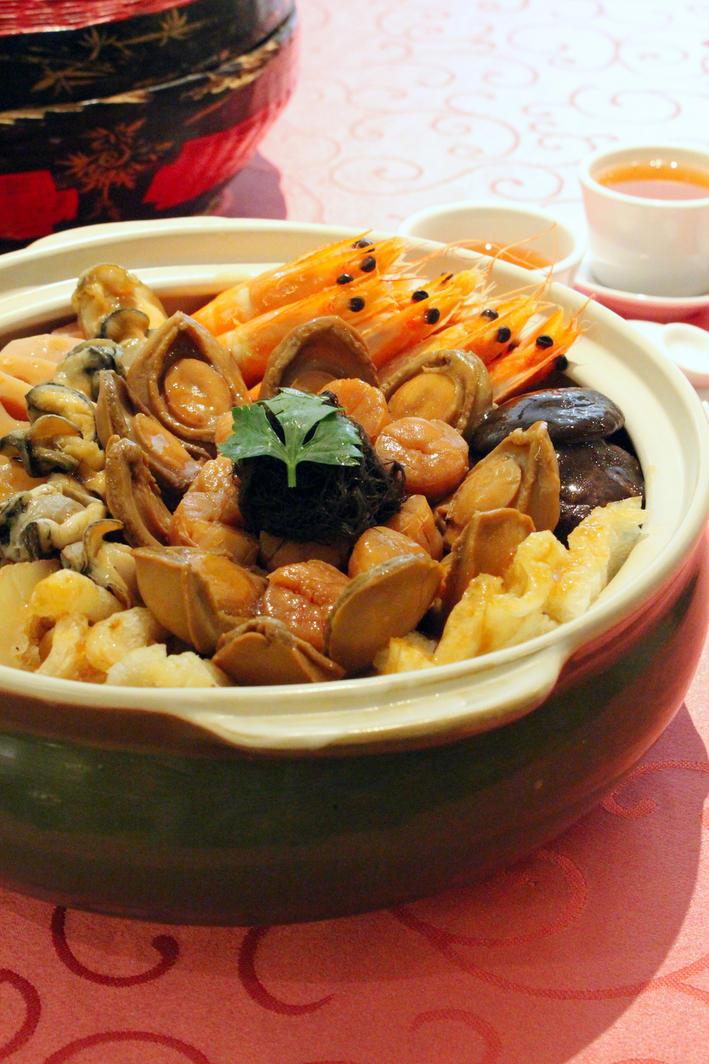 "Jia Wei Treasure Pot ""Pen Cai"" 