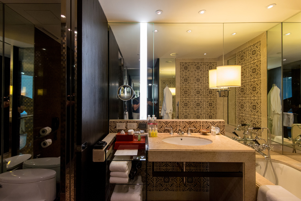 Bathroom - Club View King Grand Hyatt Erawan Bangkok