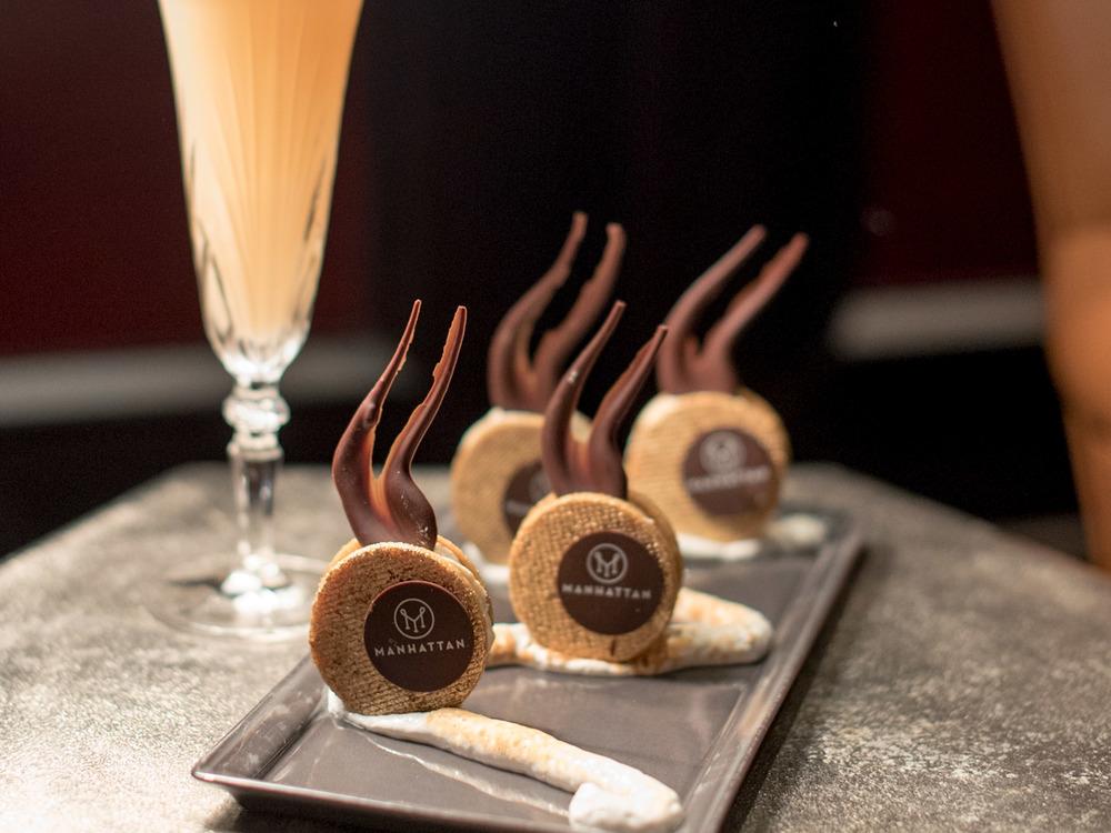 Banana Cream Cookies (S$12++) Manhattan - Regent Singapore