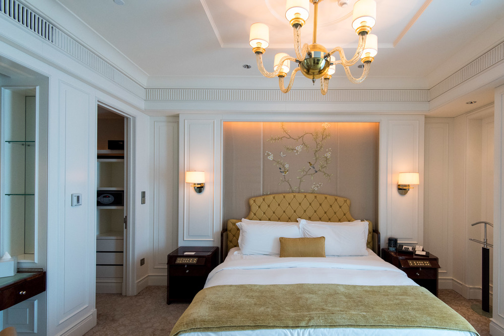 Bedroom Caroline Astor Suite - The St. Regis Singapore